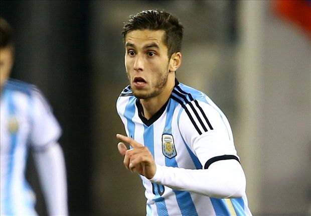 Sunderland in Ricky Alvarez talks