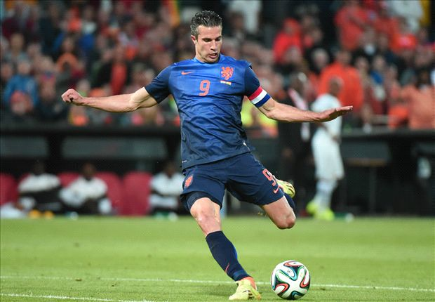 Van Persie 'not yet at 100 per cent' - Van Gaal