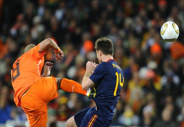 De Jong: Not everyone can play like Messi and Ronaldo