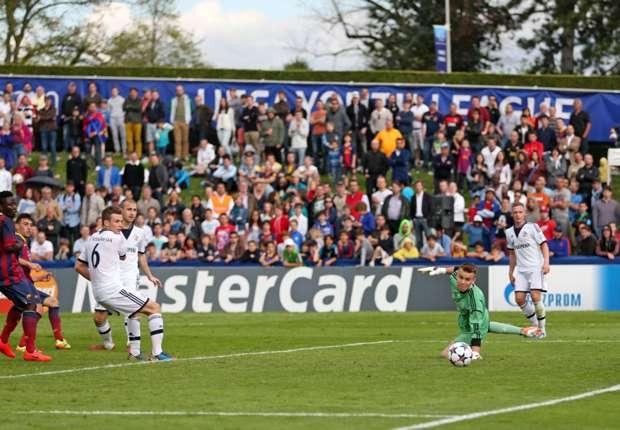 Timon Wellenreuther erlebte eine sehr erfolgreiche Saison mit den A-Junioren des FC Schalke 04