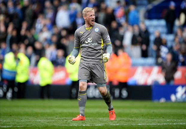 Schmeichel pens new four-year Leicester deal