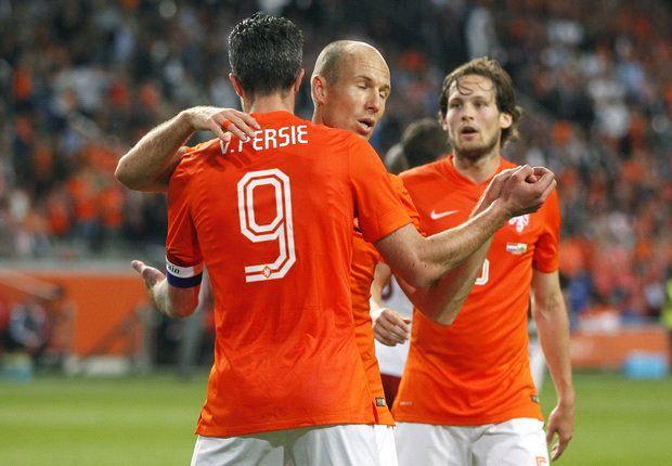 5-3-2 could undo Spain - Robben