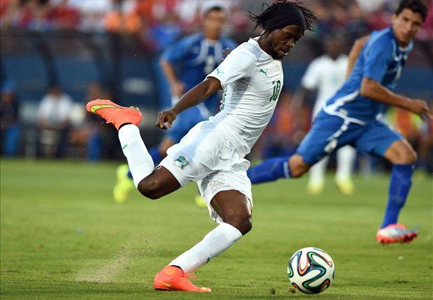 Gervinho, tras una gran asistencia de Drogba, abrió el marcador.
