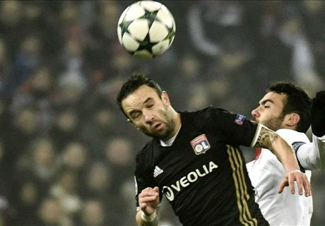 Rico keeps Lyon at bay for Sevilla