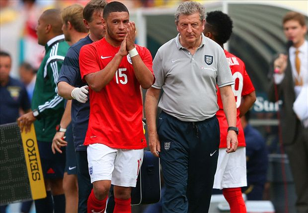 Hodgson: Oxlade-Chamberlain to stay with squad even if he misses group stage