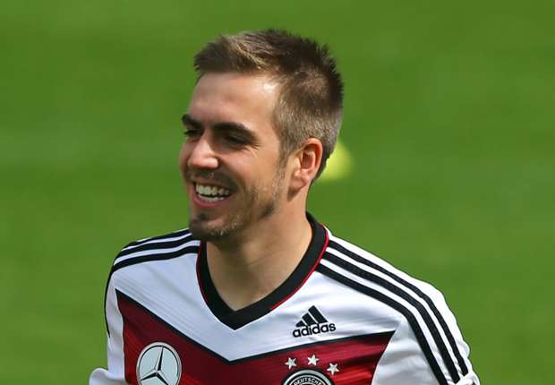 Lahm must play at right-back, says Ballack