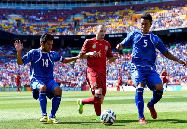 España 2-0 El Salvador: David Villa resuelve para La Roja