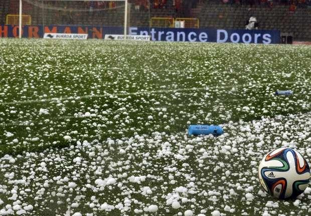 Hujan Es sempat tunda laga Belgia-Tunisia