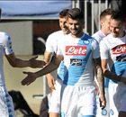 Mertens en Napoli spelen met Cagliari