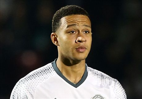 Man Utd and Lyon agree to Depay deal