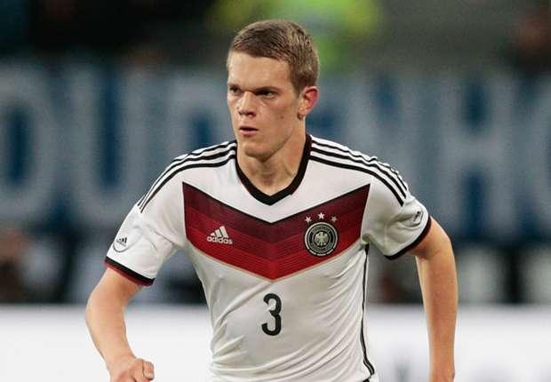 Borussia Dortmund sign Ginter