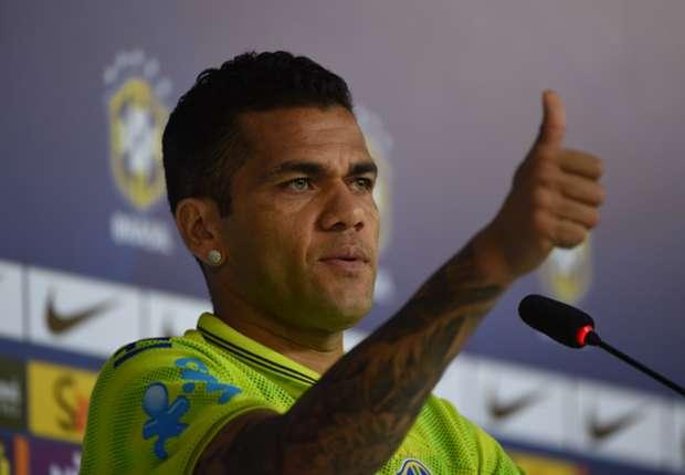 Dani Alves no se cree que Xavi Hernández pueda abandonar el Barcelona