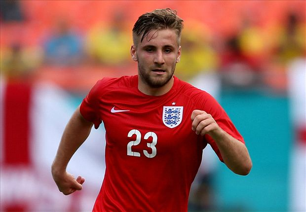 Shaw agrees £160,000-a-week Manchester United deal