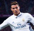 Waarom draagt Ronaldo geen zwarte schoenen?