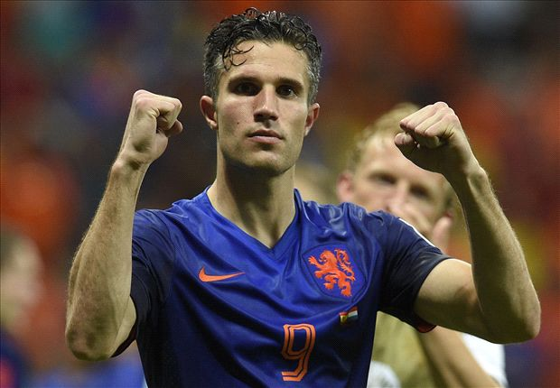Van Persie urges Netherlands to top group and avoid Brazil clash