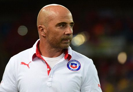 Sampaoli commits to Chile until 2018