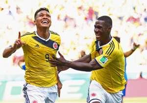 TEO: El campeón de la Sudamericana estaría a un paso de regresar al viejo continente, su buen momento en River lo tiene en la mira de clubes como el Sevilla, Valencia, pero en este momento el va ganando la pulseada es el Tottenham, aunque River no quie...