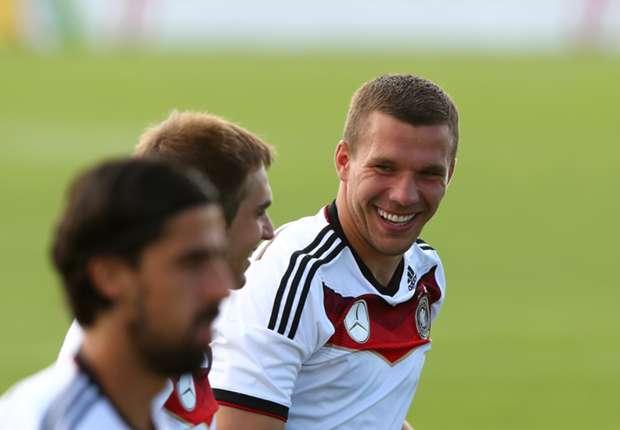 Podolski dedicates Germany win to Schumacher