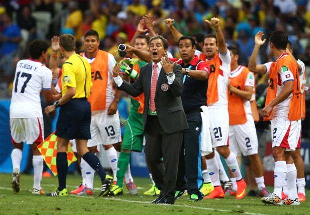 Pinto hits back at Mourinho
