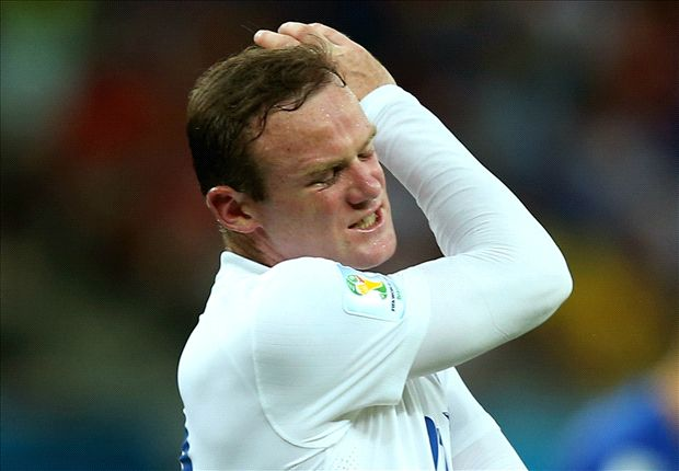 Rooney should play in the centre for England, says Mourinho