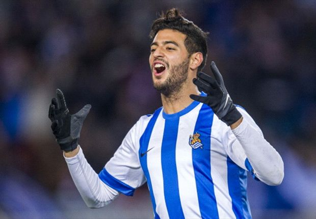 Vela signs extension with Real Sociedad