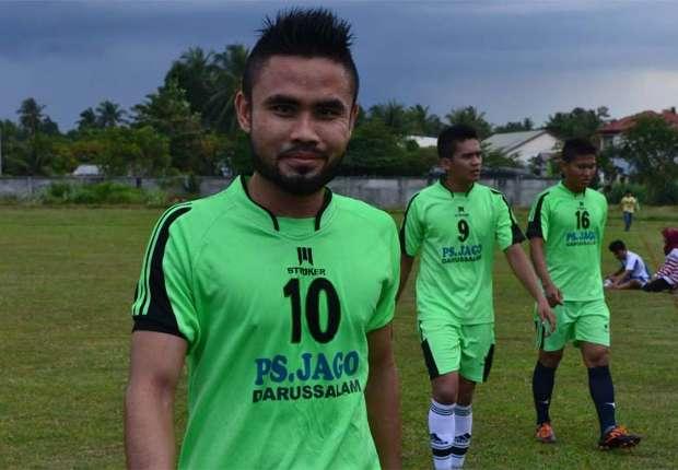 Pesepakbola Indonesia bersatu menggelar laga amal untuk Akli Fairuz.