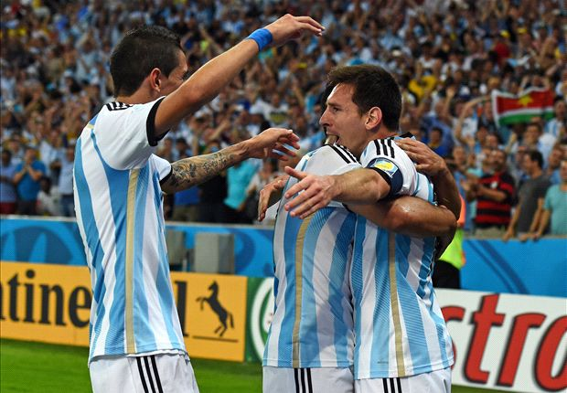 Higuain: It would be a great pleasure to play with Messi at Barcelona