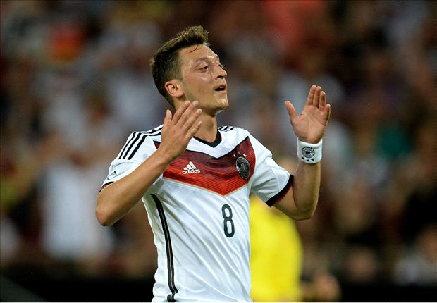'Special' Ozil needs to be loved, says Mourinho