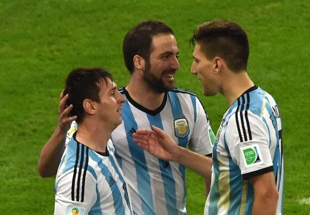 Messi would be incapable of picking Argentina team, says Mascherano