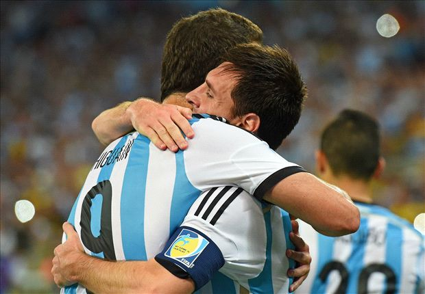 Messi: I'd love Higuain to join Barca