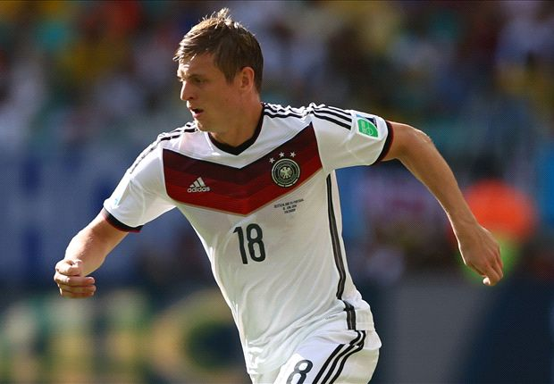 I'd love Kroos at Manchester United - Scholes