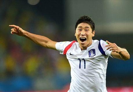 Lee Keun-Ho: Akinfeev error lucky