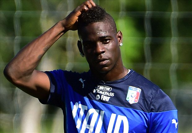 'Arsenal target Balotelli is 'sad & desperate' at Milan'