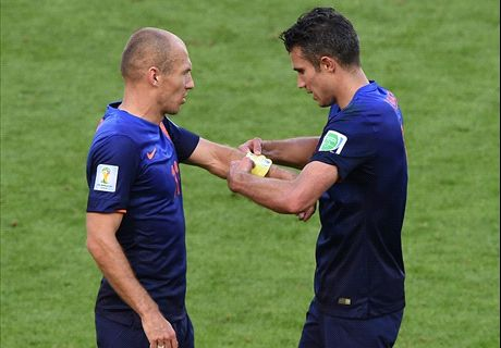 Hiddink: Robben & RVP still captains