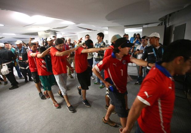 FIFA condemns Chile fans after Maracana breach