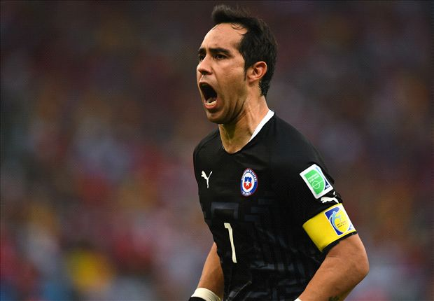 Barcelona reach agreement for Claudio Bravo