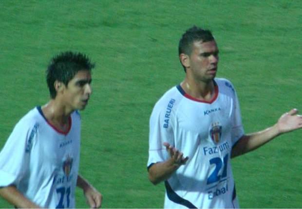 Castán nega proposta da Roma e continua com foco na Libertadores