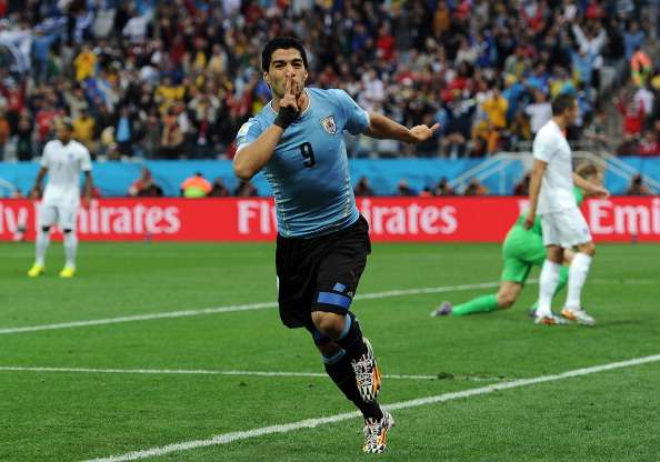Uruguay 2-1 England: Super Suarez at the double