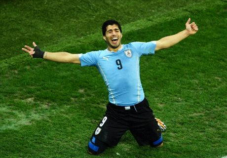 Suarez is 'world's best' - Coates