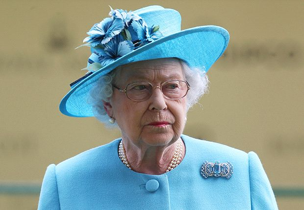 Balotelli: The Queen can kiss my... cheek