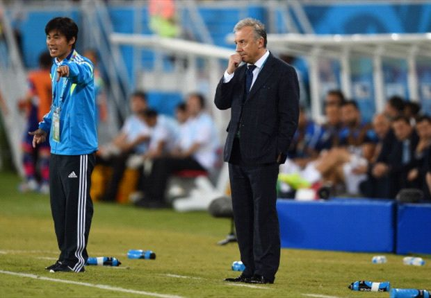 Zaccheroni left frustrated by toothless Japan