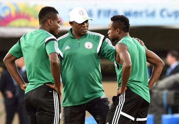 Keshi with Emmanuel Emenike and Ogenyi Onazi during training inside Arena Pantanal