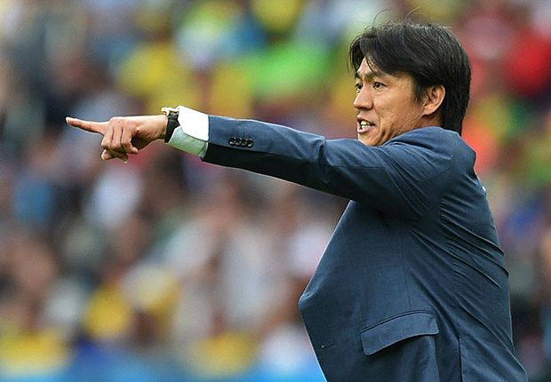 'Crumbled' defence left us with too much to do - Hong Myung-Bo
