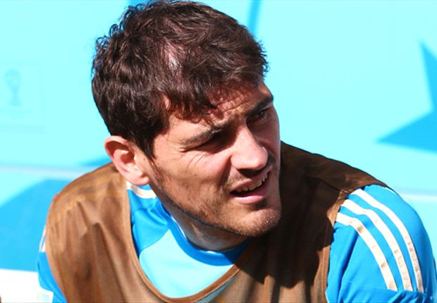 Casillas convinced to stay at Real Madrid by Hierro