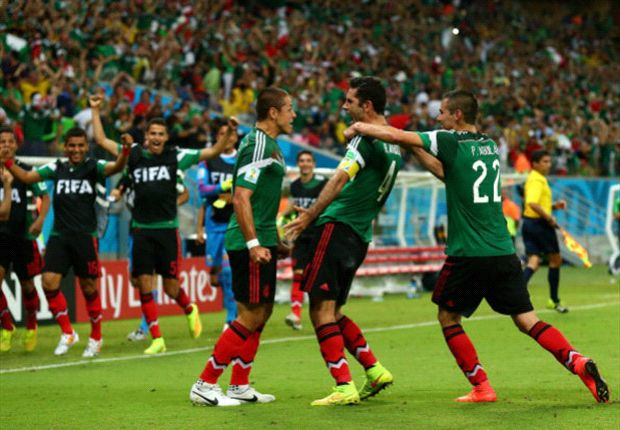 Croatia 1-3 Mexico: Chicharito on target as Herrera's side soar into World Cup last 16
