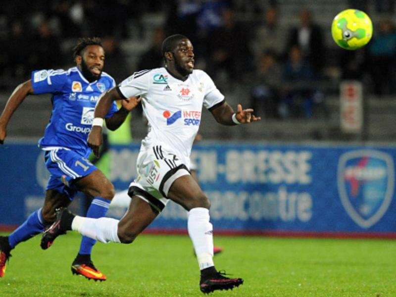 Strasbourg et Amiens en Ligue 1, Troyes barragiste