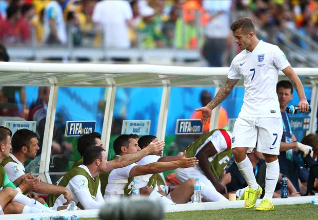 Wilshere warns England starlets: We must come of age