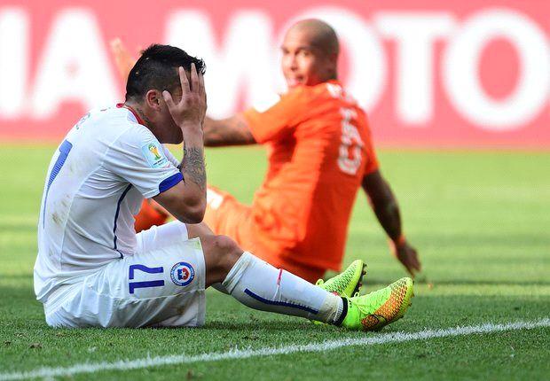 Van Gaal: De Jong's World Cup could be over