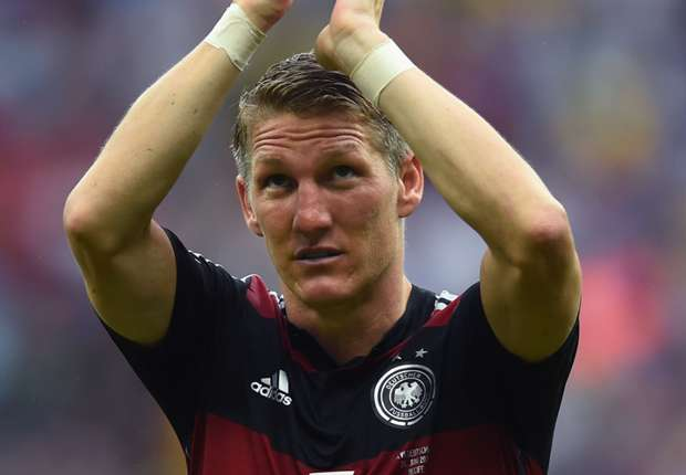 Dortmund offer Schweinsteiger singing lessons after offensive chant