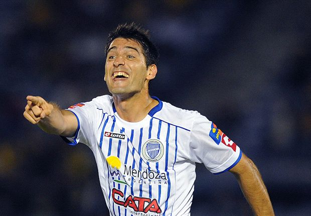 Sánchez llega a la Academia por tres años.